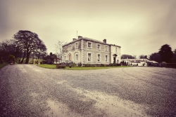 Aaron & Maria's Wedding  - Tankardstown House Photography: Angela Halpin http://whisperido.com